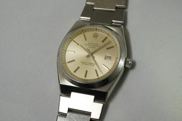 ロレックス Ref.1530 OYSTER PERPETUAL DATE 50th Anniversary(RO-07/1974年)の詳細写真2枚目